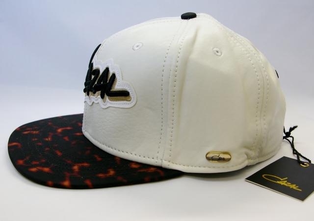 CAZAL CAP(カザール キャップ)カラー白 ロゴ付画像
